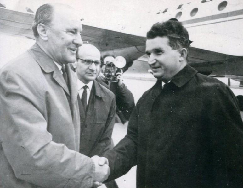 Image result for Nicolae Ceaușescu și Kadar Janos